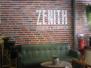 Zenith, Brunch and Cocktails